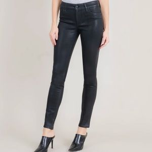 Level 99 Mid Rise Coated Skinny Jeans Size 14